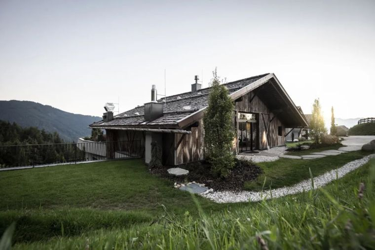 旧谷仓变身山谷民宿,发现生活的自然与美好_1