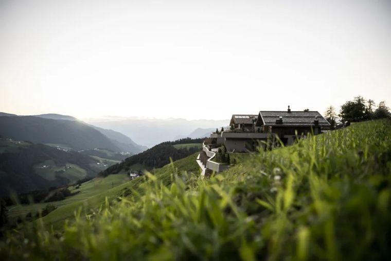 旧谷仓变身山谷民宿,发现生活的自然与美好_5