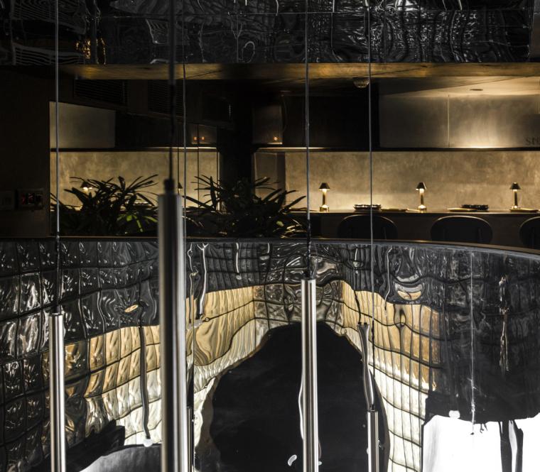印度黑色的混凝土餐厅和酒吧_5