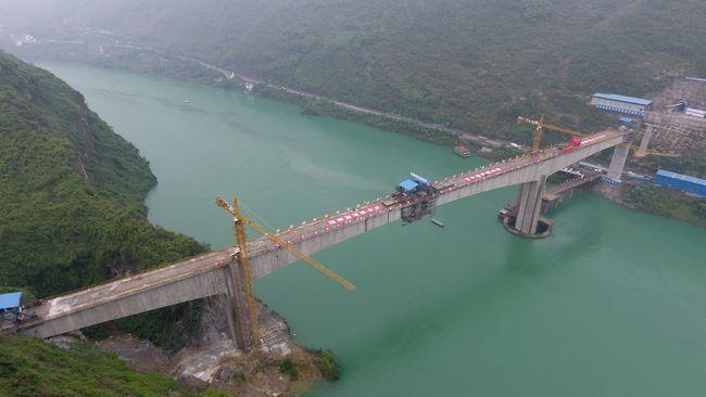 大跨径刚构桥合龙段施工技术研究_3