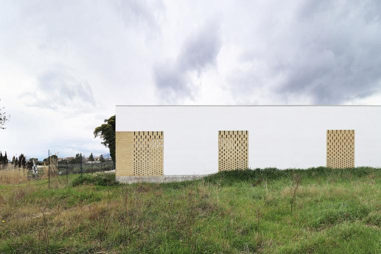 意大利Frisa公墓扩建与纪念性景观_2