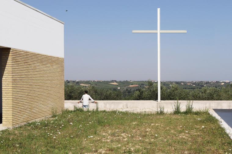 意大利Frisa公墓扩建与纪念性景观_6