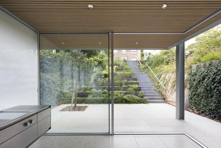 斜坡花园下的透明厨房-GALGEN住宅加建_1