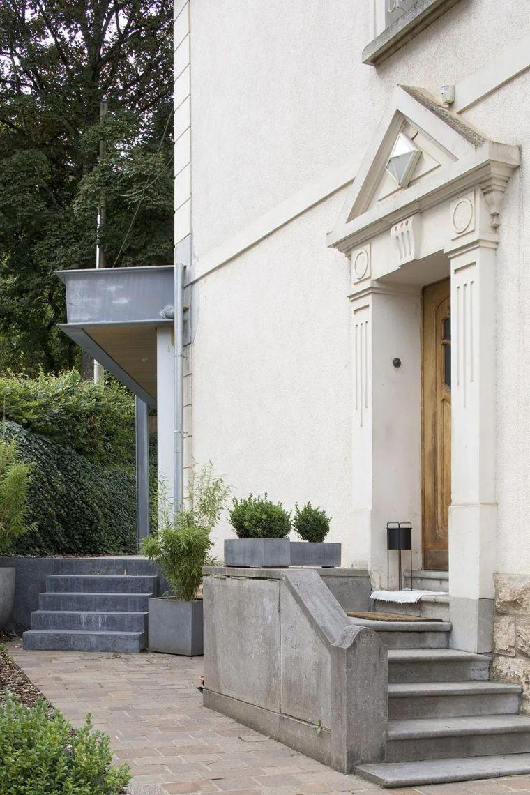 斜坡花园下的透明厨房-GALGEN住宅加建_4