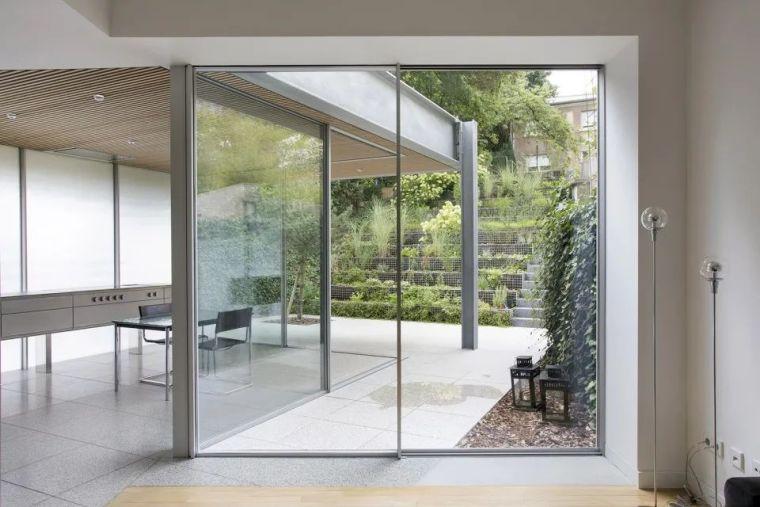 斜坡花园下的透明厨房-GALGEN住宅加建_7