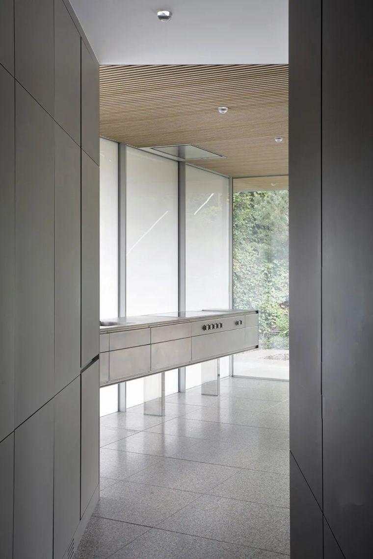 斜坡花园下的透明厨房-GALGEN住宅加建_9
