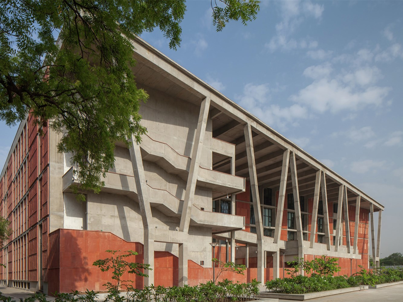 印度艾哈迈达巴德大学工程技术学院