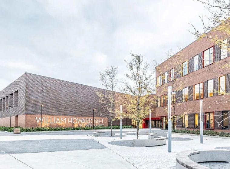 轻工业风格的砖砌教学楼-塔夫脱新生学院_2