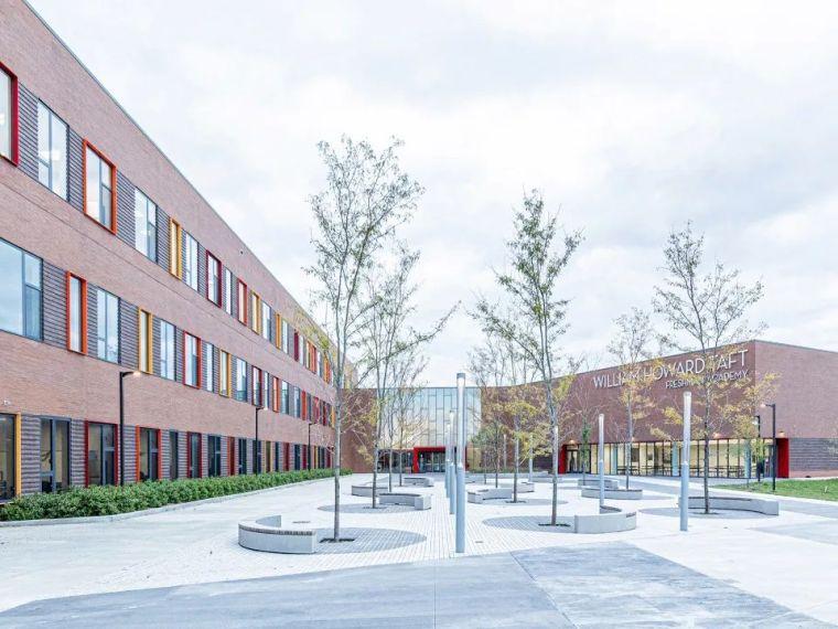 轻工业风格的砖砌教学楼-塔夫脱新生学院_3