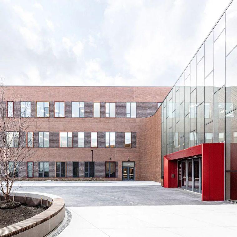 轻工业风格的砖砌教学楼-塔夫脱新生学院_6