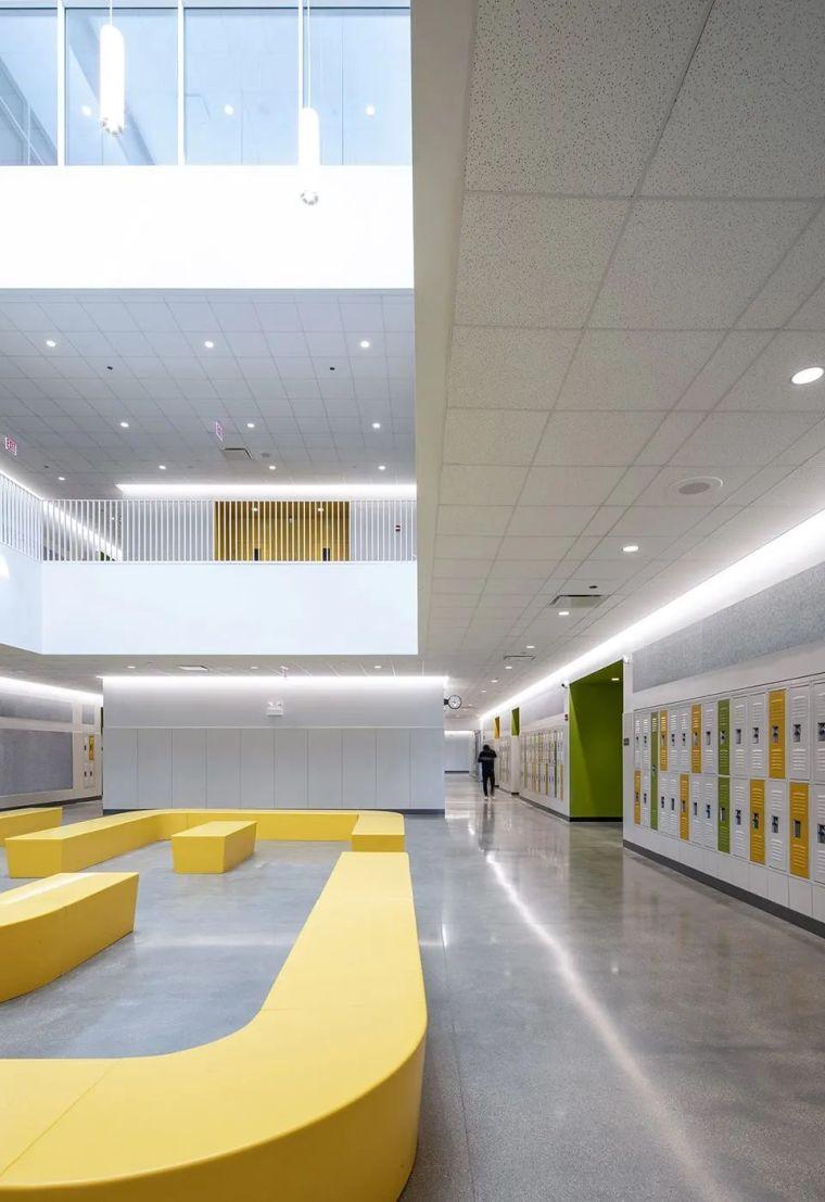 轻工业风格的砖砌教学楼-塔夫脱新生学院_12
