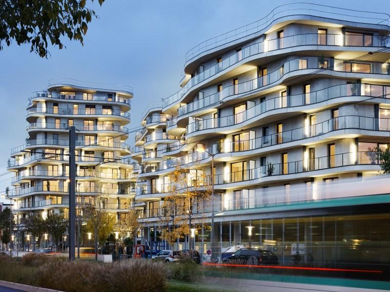 法国Courbes公寓楼_1