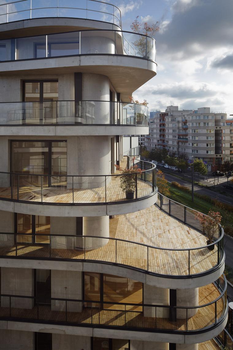 法国Courbes公寓楼_3