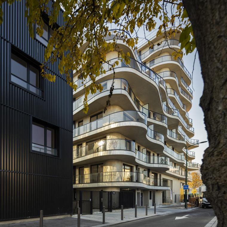 法国Courbes公寓楼_4