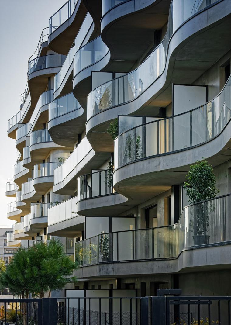 法国Courbes公寓楼_5
