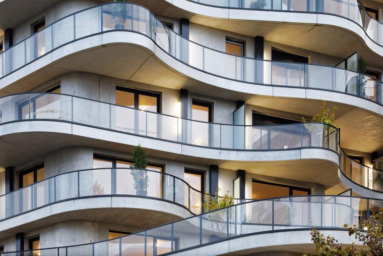 法国Courbes公寓楼_14