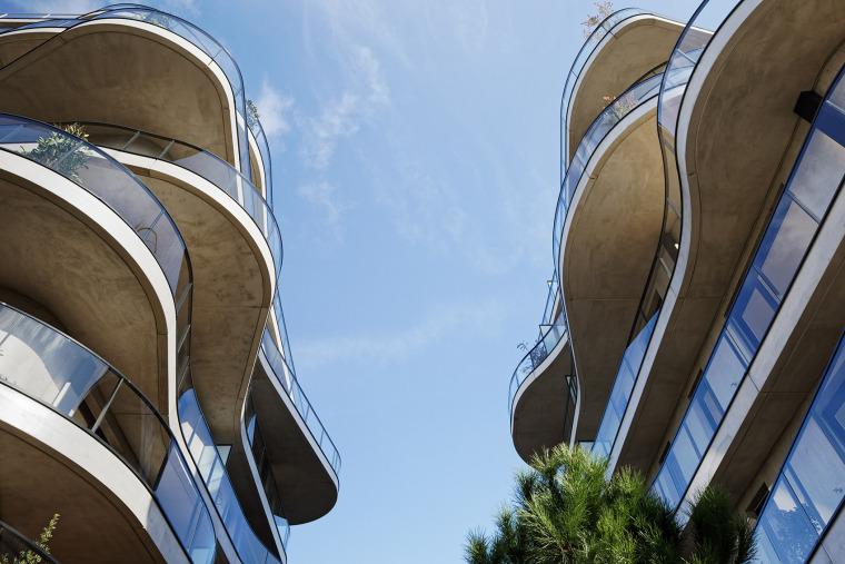 法国Courbes公寓楼_15