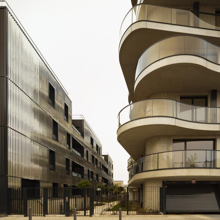 法国Courbes公寓楼_11