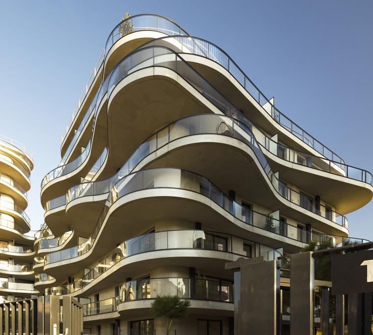法国Courbes公寓楼_7