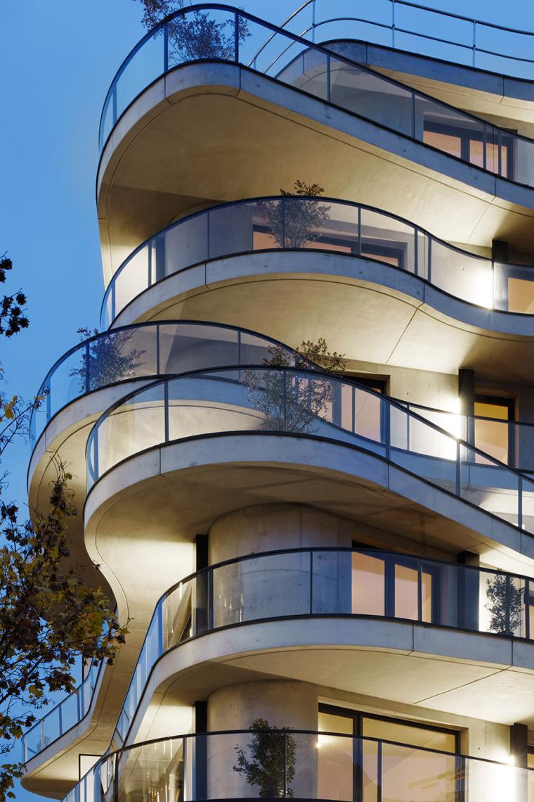 法国Courbes公寓楼_21