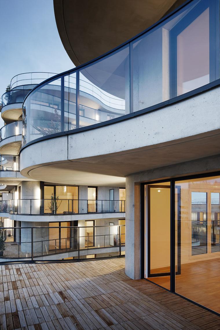 法国Courbes公寓楼_20