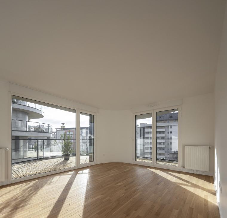 法国Courbes公寓楼_25