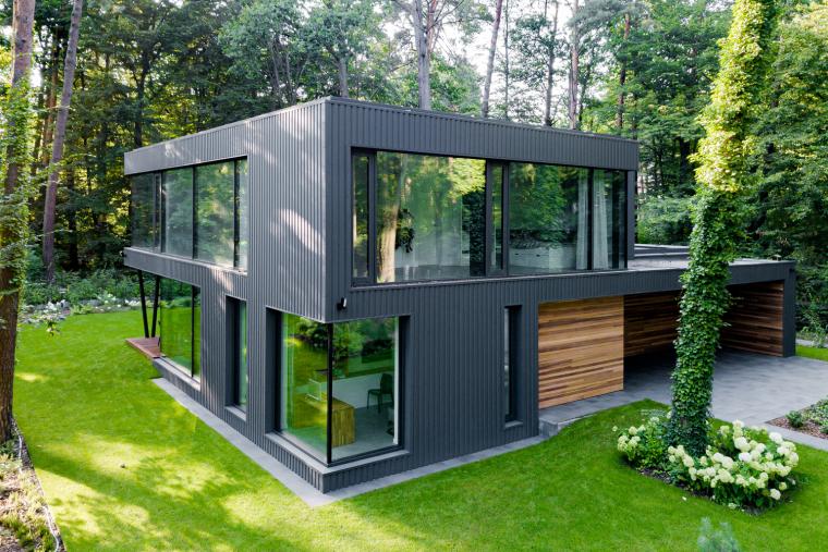 波兰融入森林的住宅_6