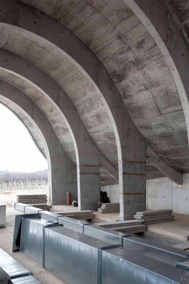 新作|捷克拉霍夫酒庄:拱的双面之美_47