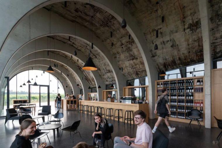 新作|捷克拉霍夫酒庄:拱的双面之美_7