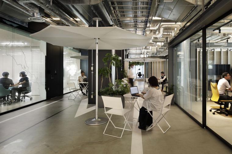 日本IHI横滨工厂新实验大楼内创新中心_5