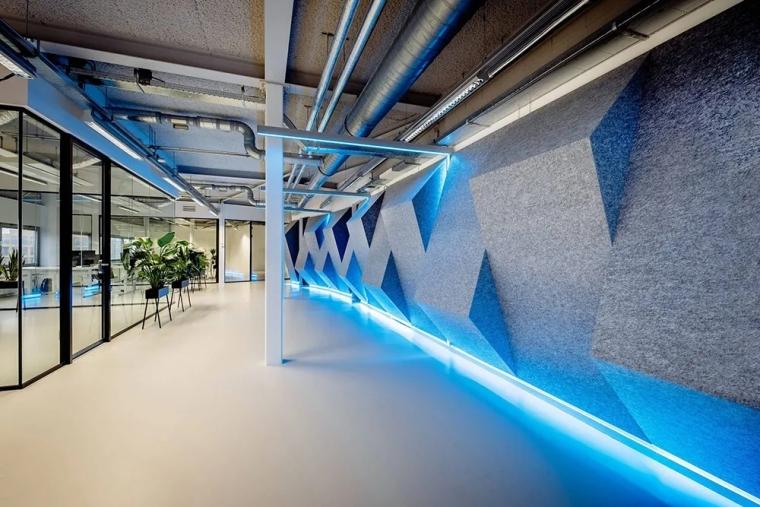 荷兰Shypple科技初创公司的办公空间_5