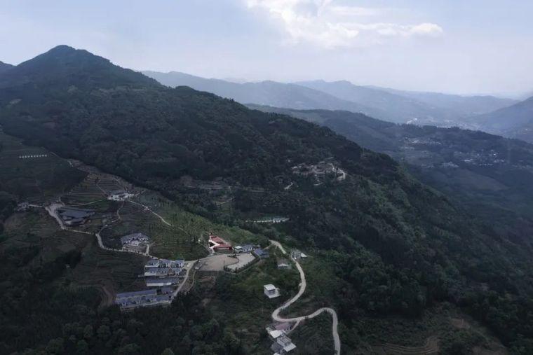 云海绕谷,茶山漫步:四川马边游客中心_2