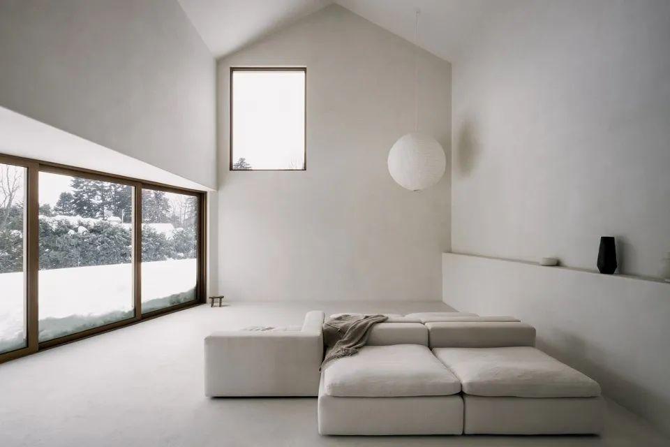 以极简形式衬托光线- 标准住宅