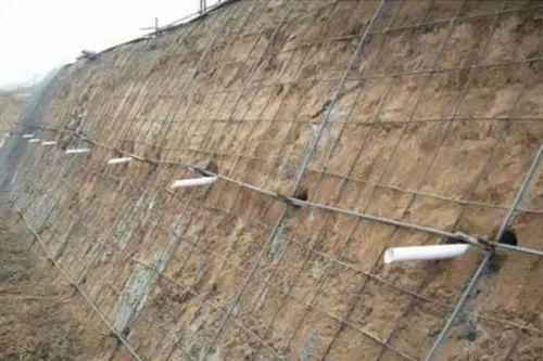 8个深基坑支护方法及支护施工现场图一览_4
