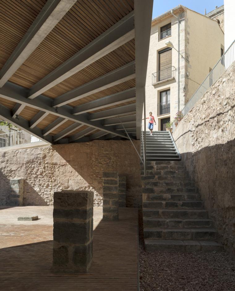 西班牙犹太教堂广场_13