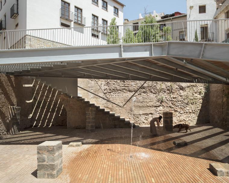 西班牙犹太教堂广场_9