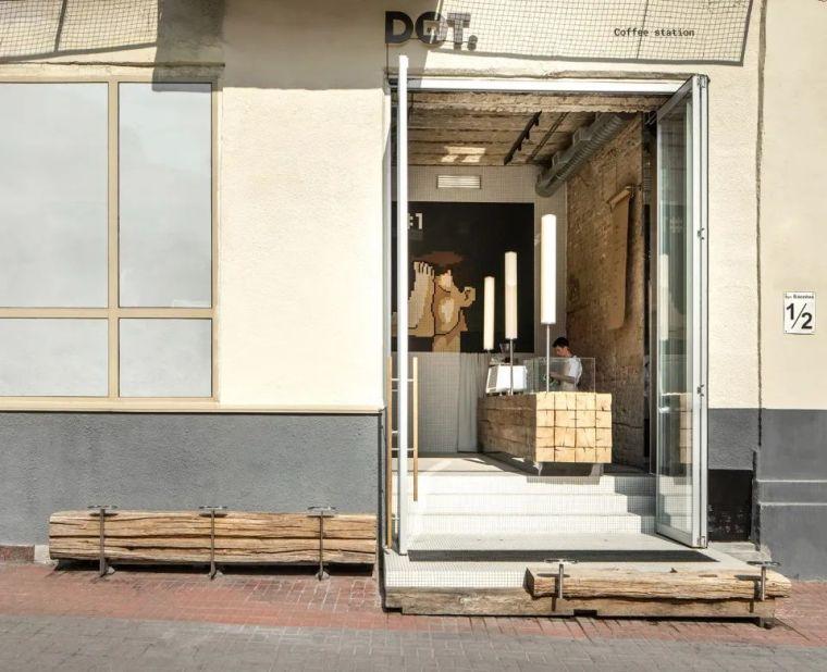 马赛克图案传达纯粹的情感-DOT咖啡站_2