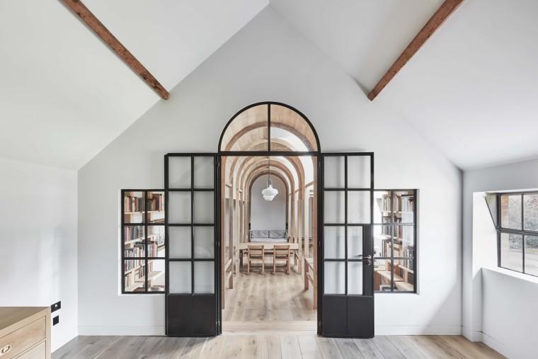 英国斯坦布里奇磨坊的新图书馆_2