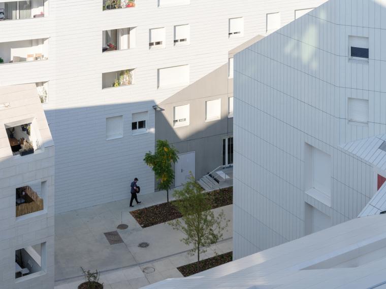 法国IlotQueyries公寓楼_14