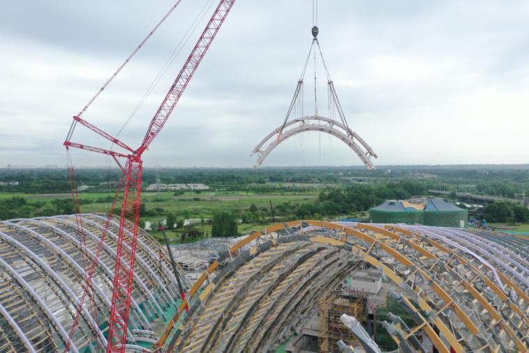 世界最大结构跨度钢木结构建筑圆满完工!_1