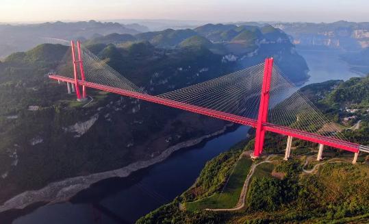 大跨度钢桁混凝土梁混合梁斜拉桥设计与施工_1