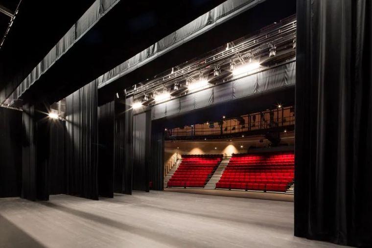 Bayssan剧院礼堂和圆形露天剧场_14