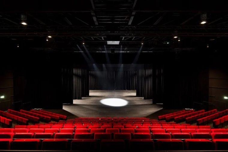 Bayssan剧院礼堂和圆形露天剧场_15