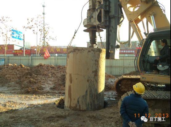 打桩时遇到坍孔,导管堵管,钢筋笼上浮,咋办_8