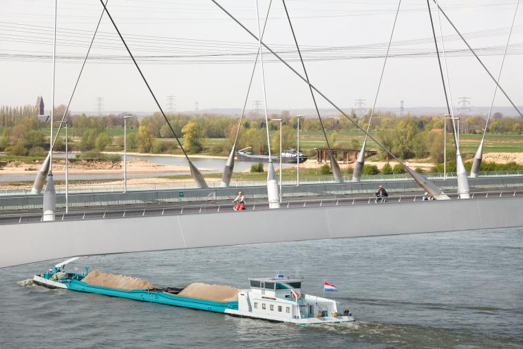 荷兰DeOversteek都市大桥_5