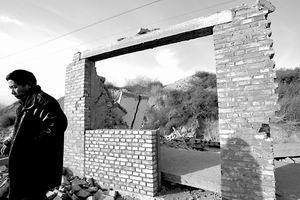 在建农贸市场突遭拆除