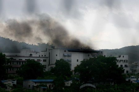 深圳龙岗区电池厂发生爆炸起火毒烟弥漫