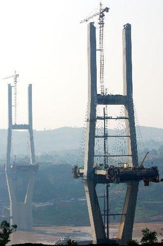 重庆涪陵李渡长江大桥工程进展顺利