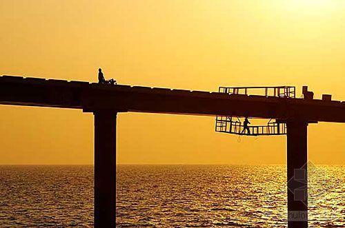 杭州湾跨海大桥:所用钢量相当于再造7个鸟巢