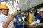 国家体育场钢结构主桁架梁成功卸载